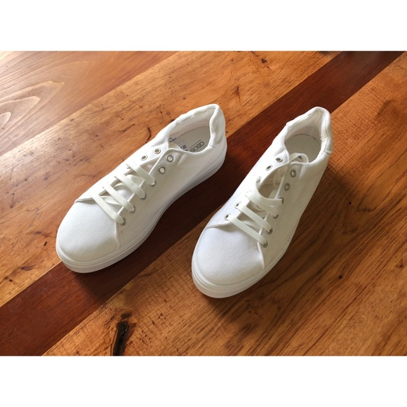 5c1a2e8a3e1ac ASOS Shoes | Basic Clean White Sneakers Size 8 | Poshmark
